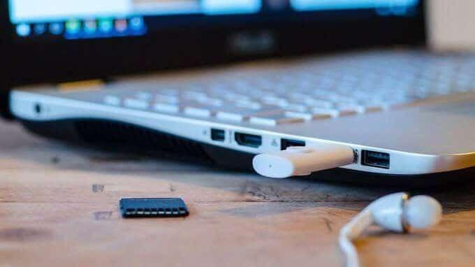 Pourquoi ma clé USB apparaît-elle?